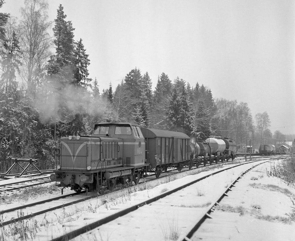 NBJ T22 växlar i Gyttorp 1974. Foto: Björn Malmer